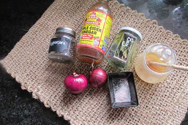 Quick pickle pink onions ingredients